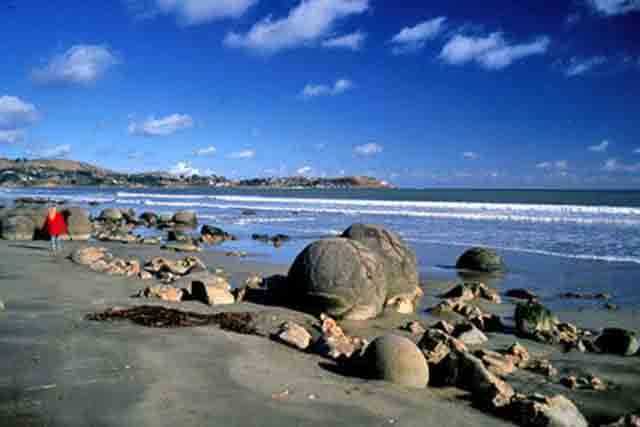 The quirky spherical moeraki boulders