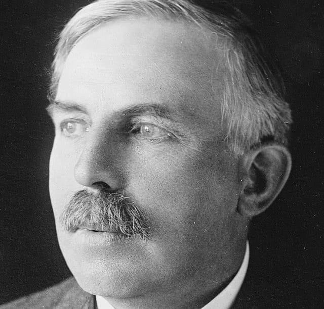 Head shot of Sir Ernest Rutherford